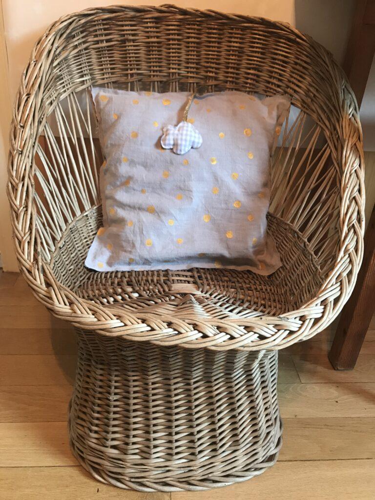 Vintage Kinderkorbstuhl